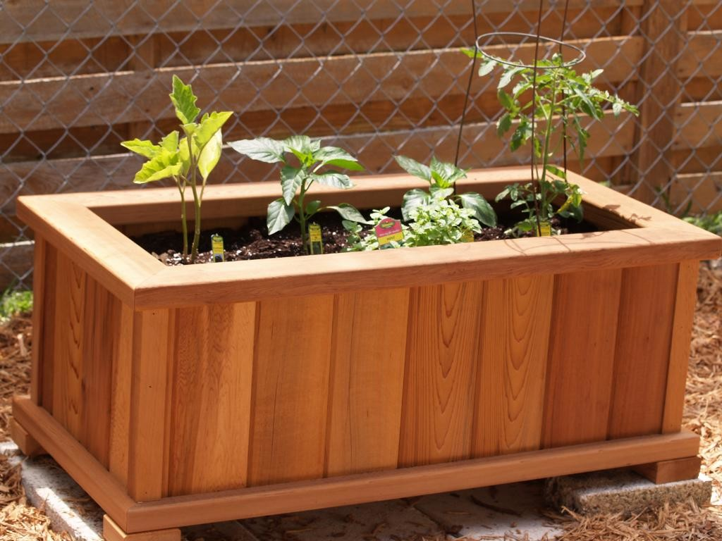 Garden Bo-Making A Raised Box The Easy Way on raised garden fencing designs, raised garden trellis designs, back yard planter box designs,